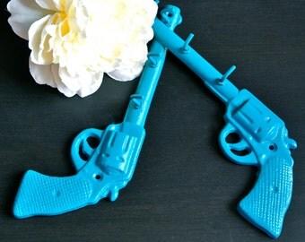 Pistol Key Hook You Pick Color/ Decorative Key Hook /Car Key Hanger / Western Wall Decor / Gun Key Holder / Shabby Chic Decor