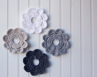 Decorative Crochet Mini Wreath Wall Hangings & Picture Frames - Muted Grays