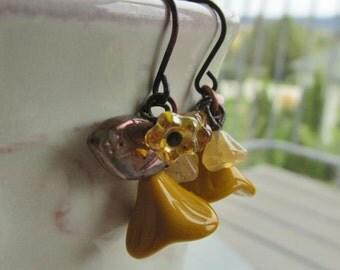 Autumn Gold Earrings - Fall Fashion - Floral Earrings