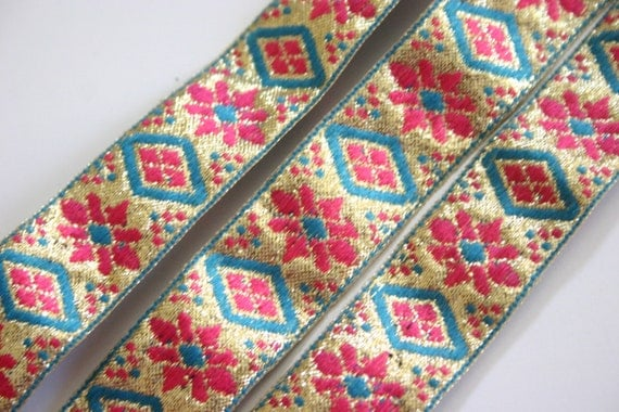 Golden sky of pink flowers - Golden Bollywood Trim with Blue and Pink embroidery (1 meter)