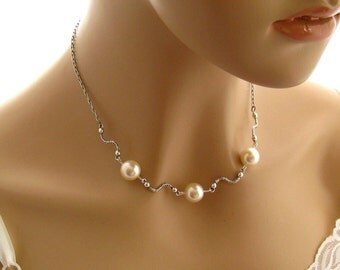 Ivory Pearl Necklace, White Pearl Necklace, Mother of the Bride Necklace Pearl Wedding Jewelry, Pearl Bridesmaid Necklace Cream Pearl Choker