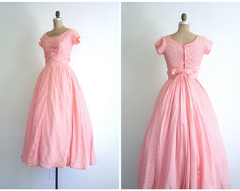 vintge 1950s lace & taffeta full length gown - 50s formal prom dress / salmon pink gown - vintage wedding / 50s pastel lace gown