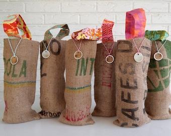 Wholesale Wedding Favors - Colorful Burlap Wine Bags - Rustic Bridesmaid Gift - Beach Wedding