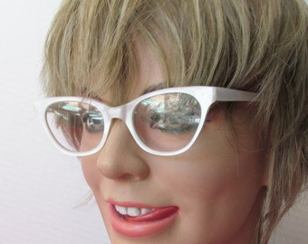 1950s French Cat Eye Frames in White Pearl -Rockabilly-