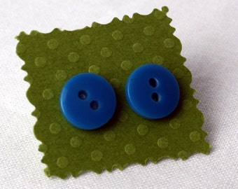 SALE  Blue Vintage button Stud earring