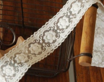 Off White Floral Emboridery Lace Trim Double Wave Edges 1.37 Inches Wide 2 Yards
