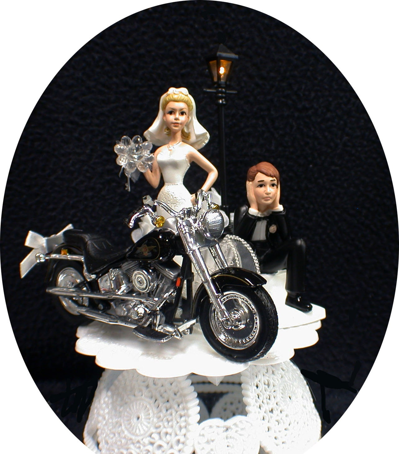 harley davidson road king wedding cake toppers wedding cake topper w die cast harley davidson motorcycle 15070
