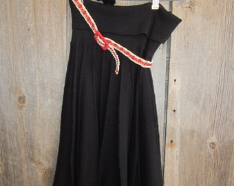 Black Pleated 100% Cotton Knit Skirt with Crocheted Black and Red Trim Red and a Black / Red Macreme Belt  HWR Size Small