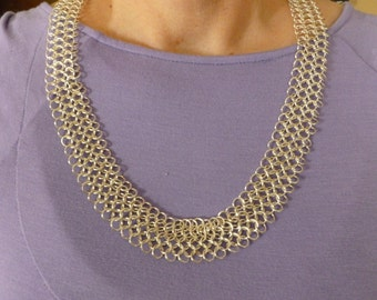Chainmaille necklace 4-1 Weave