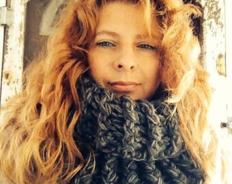 Crochet Pattern Cowl---------OUTLANDER INSPIRED COWL--------Claires Cowl--------Travel back in time to bonny Scotland