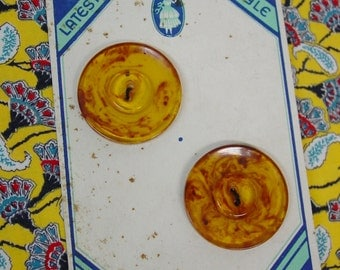 Vintage 1930's Buttons on Original Card, Two Big Marbleized Plastic
