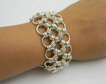 Square Crystal Byzantine Chain Maille Weave By