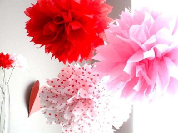 Pompons de papier de soie...Valentine Pom Pom Pack...Ensemble de 5 Poms, Articles de fête Saint-Valentin, Valentine Party décor