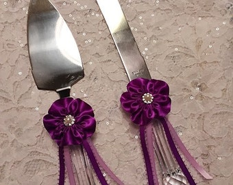 Wedding Cake Server and Knife set with handmade Purple Flower, Wedding Cake Knife