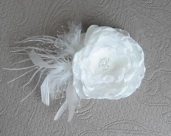 Wedding Hair Facsinator, Bridal Facsinator, Bridal Hair Clip, Feather Hair Clip, Wedding Head Piece, Netting and ostrich