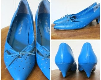 Vintage 80s Peacock Blue Leather Pointy Toe Kitten Heels Loafer Style with Bow Womens Size 6 - 6.5