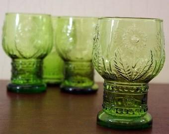 Vintage Set of 4 MCM Green Glasses w/Daisy Pattern (E4262)