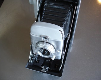 Wow - Vintage Polaroid Model 80 Land Camera