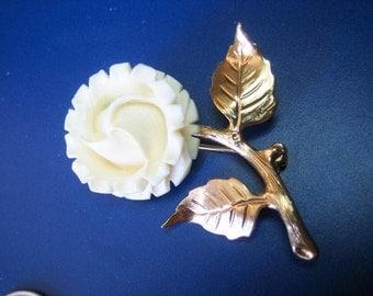Vintage Deep Carved Open Flower Brooch