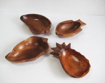 wood serving bowls /  small wood bowl set