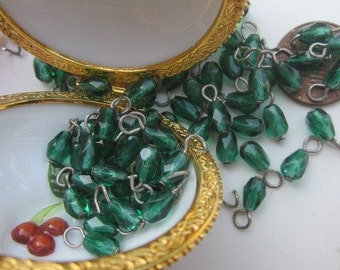 30 Vintage Emerald Green Crystal Drops