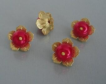 4pcs-Vintage Style Raspberry Glass Bead in Brass Setting Charm Pendant 16mm 1 loop.