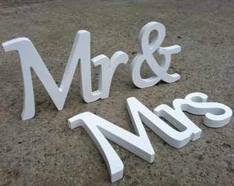 White standing elegant wood signs wedding table decoration Mrs and Mr. Sweetheart table  mr and Mrs signs for wedding.
