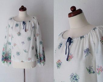 Vintage Peasant Blouse - Floral 1970's Blouse - Size M-L