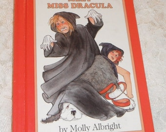 Meet Miss Dracula by Molly Albright Vintage Hardcover book 1988