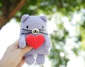 Crocheted Amigurumi Pussy Cat with Red Amigurumi Heart Brooch, Softie Plush Cat in Violet/Lavender with Red Heart Pin