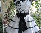 Audrey Hepburn Breakfast at Tiffany's Women's Apron