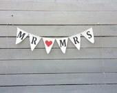 Mr&Mrs burlap banner, Wedding Garland, Photo prop