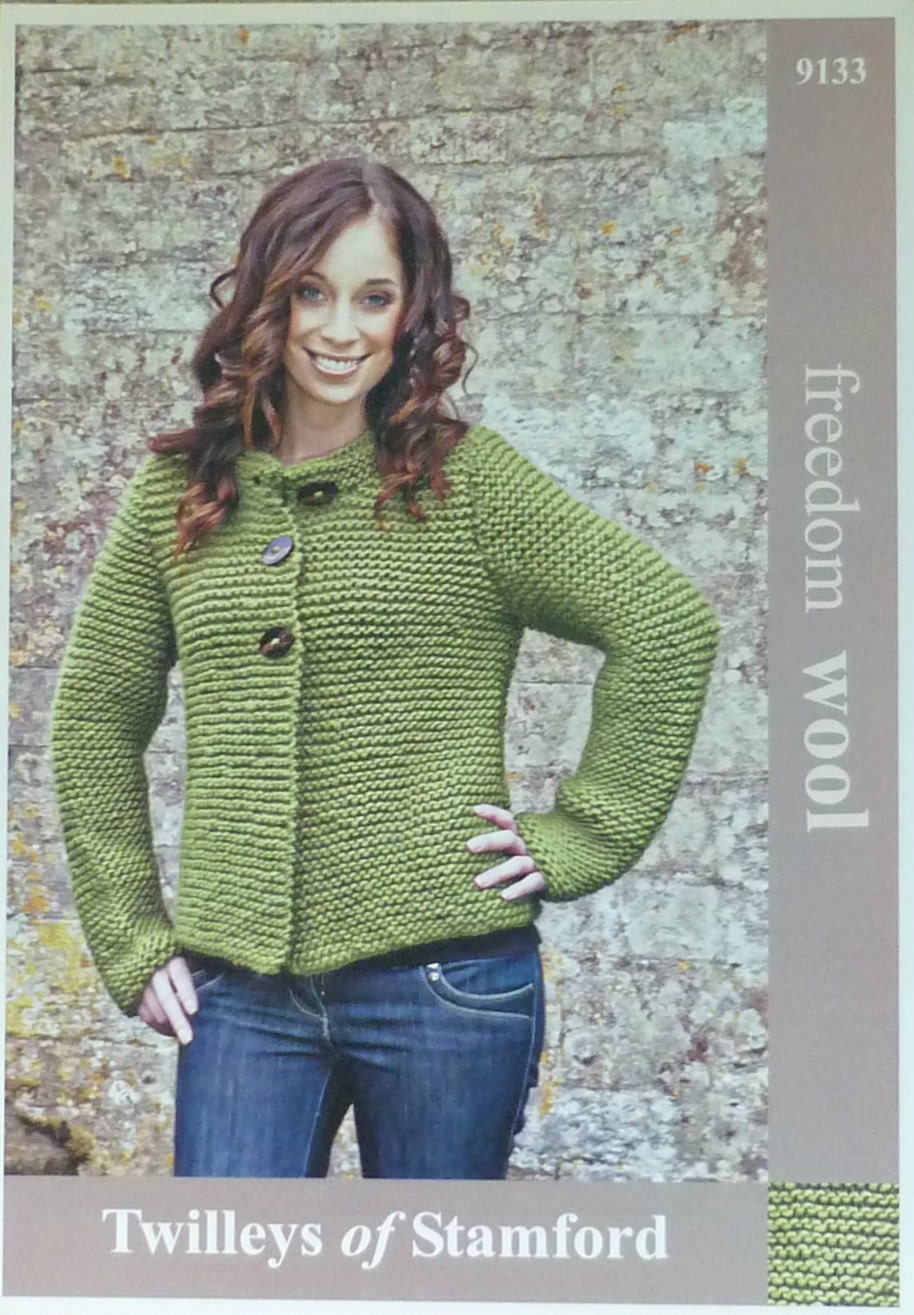 Double Knitting Ladies Jacket Pattern : Womens Knitting Pattern T9133 Ladies Very Easy Knit Long