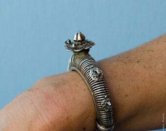 Vintage Indian Floral Bracelet - Sculptured Alpacca Silver Tribal Bracelet - with bolt opening