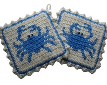 Blue Crab Pot Holders. Beach decor, crochet potholders with blue crabs. Crab trivet