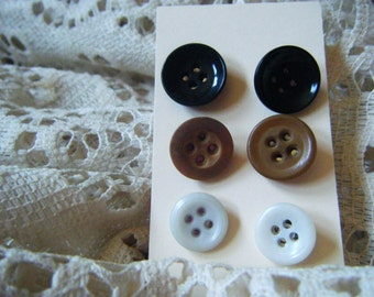 Button earrings, vintage buttons, repurposed