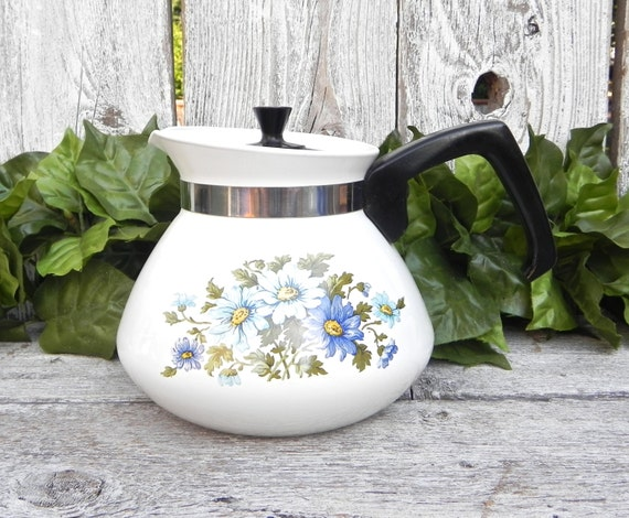 Pyrex Corning Ware Chelsea Blue Daisy 6 cup Teapot