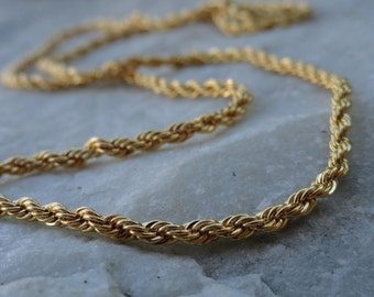 Beautiful Vintage Womens Gold Chain