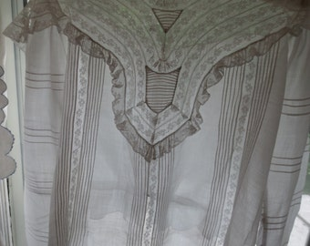 1890s Exquisite French LACE & PINTUCKED Victorian High Neck BLOUSE