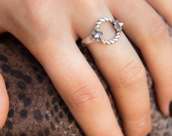 B A R B E L L A  double spike silver twist ring