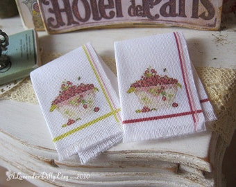 Strawberry Bowls Fringed Tea towel for 1:12 scale Dollhouse.