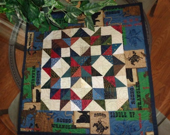 Western Quilt, Buggy Wheels Block, Buggy Wheels small quilt, Scrappy quilt, Country Quilt 930-7
