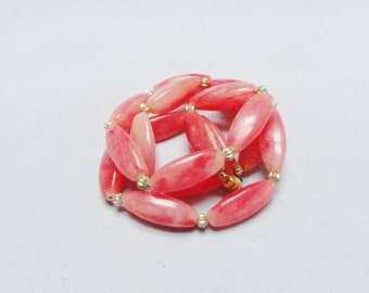 """Vintage Necklace 50s 60s Peachy Pink Coral Beads Gold Ball Necklace Screw Closure 25"""""""