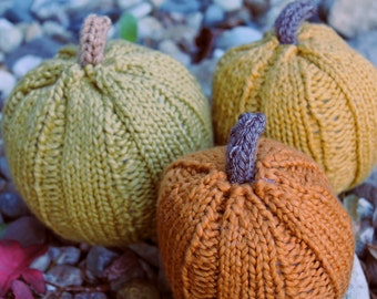 Knitted pumpkins fall Halloween thanksgiving