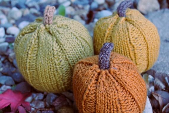 SALE Knitted pumpkins fall Halloween thanksgiving