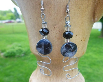 Handmade Black Stone Dangle Earrings, Geometric Jewelry,  Casual Earrings, Stone Jewelry, Handmade Art, Wire Wrapped, Art Deco,