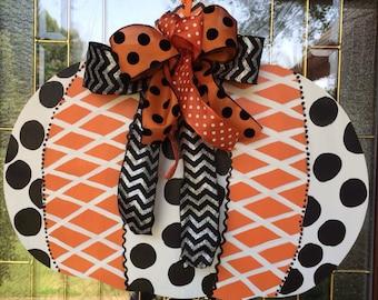 Polka Dot Pumpkin Door Hanger, Pumpkin Door Hanger, Fall Decorations, Fall Decor, Thanksgiving Decorations, Halloween Outdoor Decor