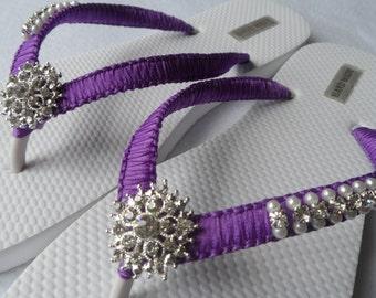 Purple Wedding Flip Flops / Bridal Pearls Sandals / Purple Color Bridesmaid Shoes / Rhinestone & Pearls Flip Flops..