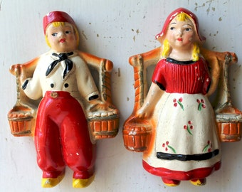 vintage retro chalkware Dutch boy and girl 1950's--wall hanging