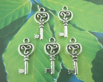 Silver Key Charms - Antique Silver - 9x21mm - 10pcs - Ships IMMEDIATELY from California - SC939